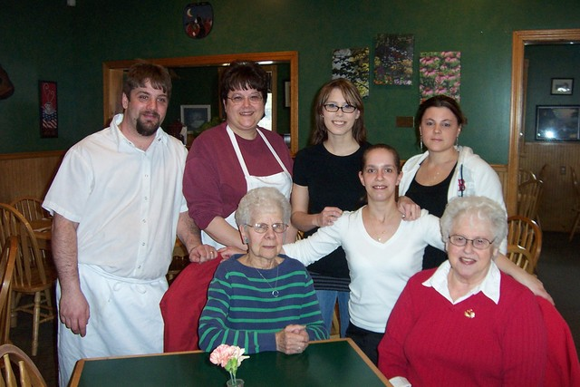 Standing, Chef, Jason Mashteare, Manager, Debbie Flemming, Co-Owner, Jessica Cross, Co-Owner, Amanda Wolcott and Waitress, Amy Ducharme - dcp 7882