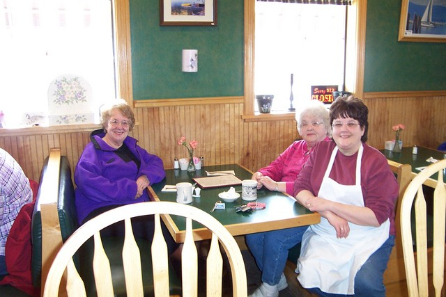 Phyllis Gillbeau, Betty Poulin and Debbie Flemming chat over a cup of coffee - dcp 7886