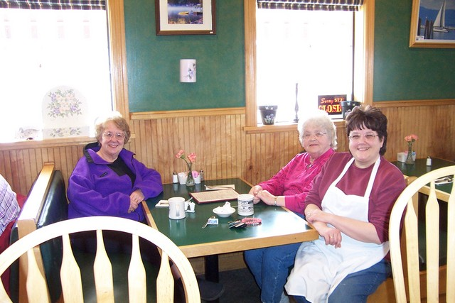 Phyllis Gillbeau, Betty Poulin and Debbie Flemming chat over a cup of coffee - dcp 7887