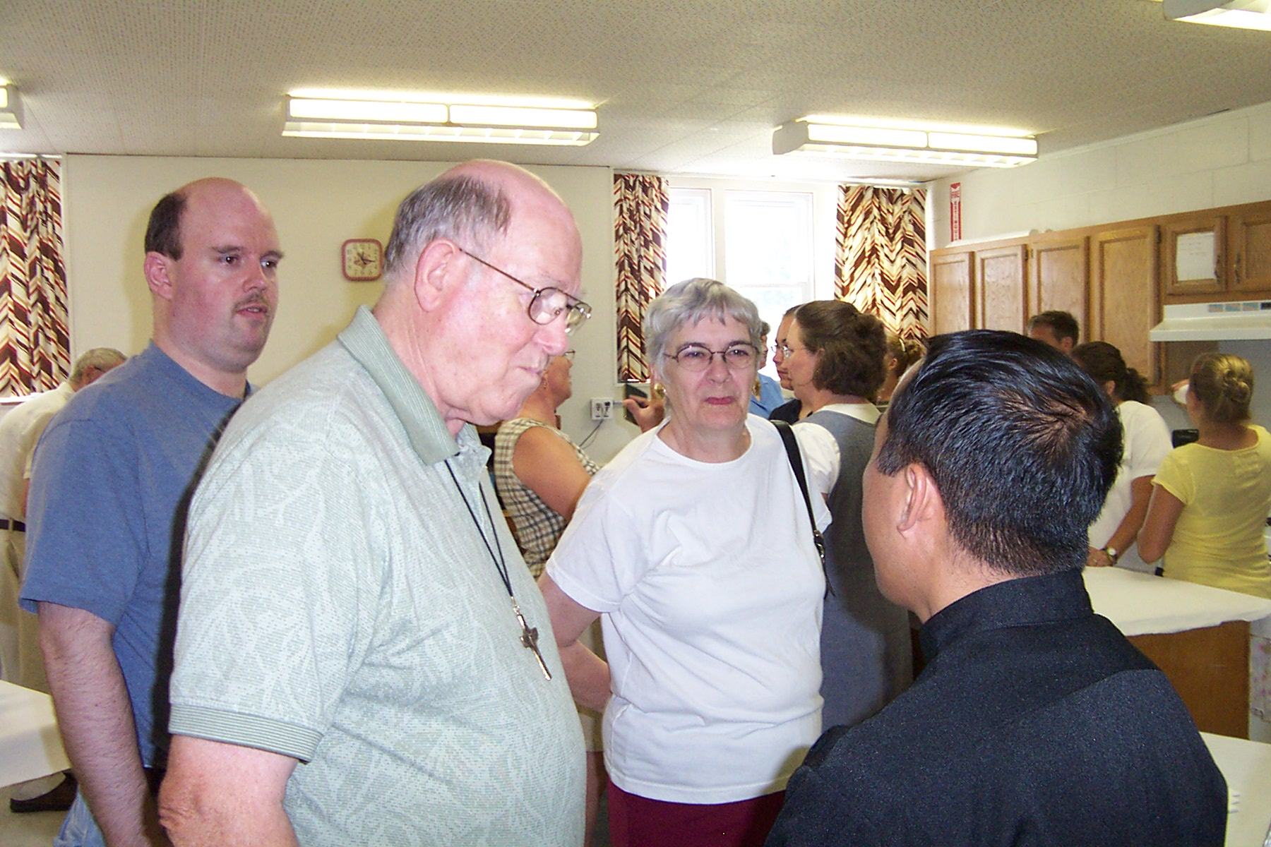 Doug, Jim & Jean Groseclose introduce themselves to Father Julian - 2008-07-06 006