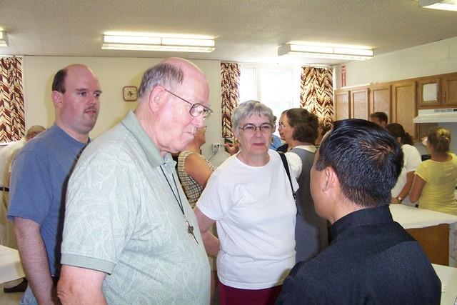 Doug, Jim & Jean Groseclose introduce themselves to Father Julian - 2008-07-06 006