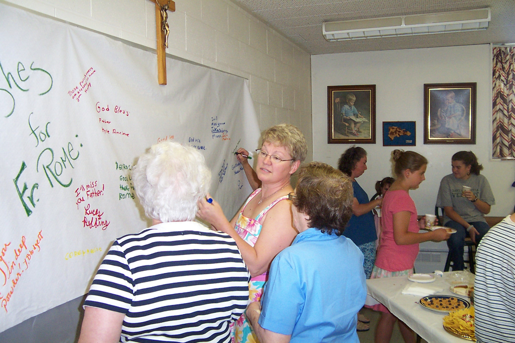 Van Lantagne signs the banner - 2008-06-29 019