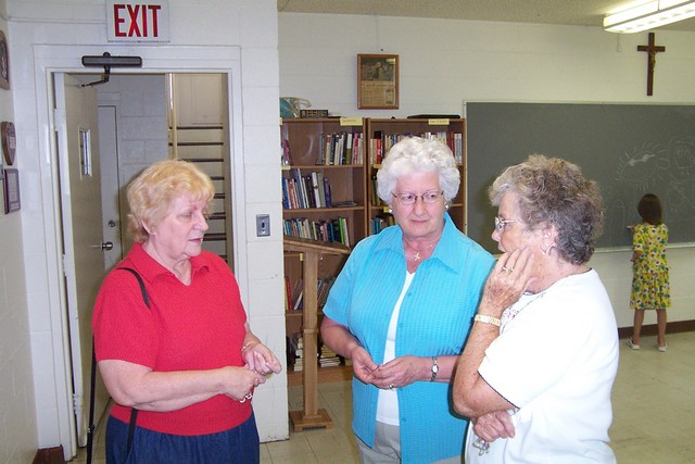 Mrs Morgan, Alice Collins & Joyce Barkyoumg - 2008-06-29 058