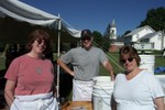 fxegg008 -Betsy Wagenknecht, Scott Stillman and Terri Santee Omlett Chefs ready to go