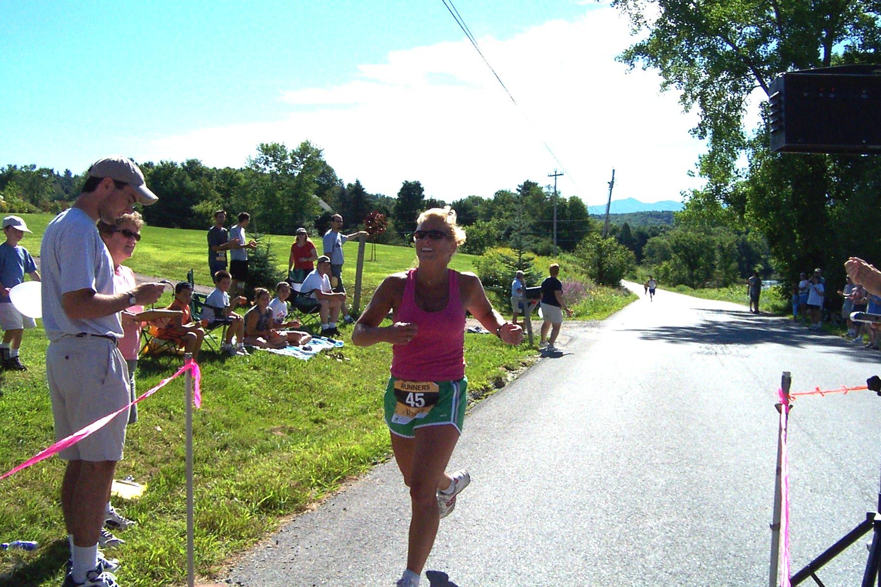 fxegg015 #45 Sheri Bashaw Female Winner of 5KR 0:20:54 Age Group 40-49