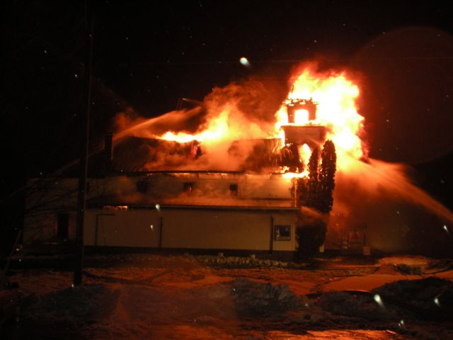 Steeple Market Fire 12-24-2008 019