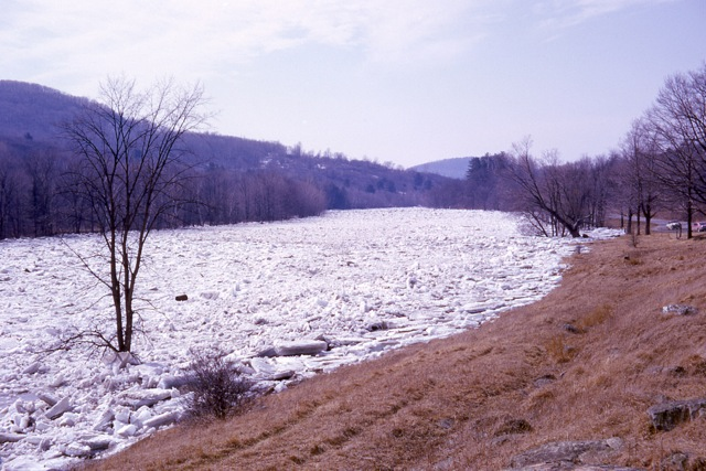 1964 Ice Jam In East Georgia - img007
