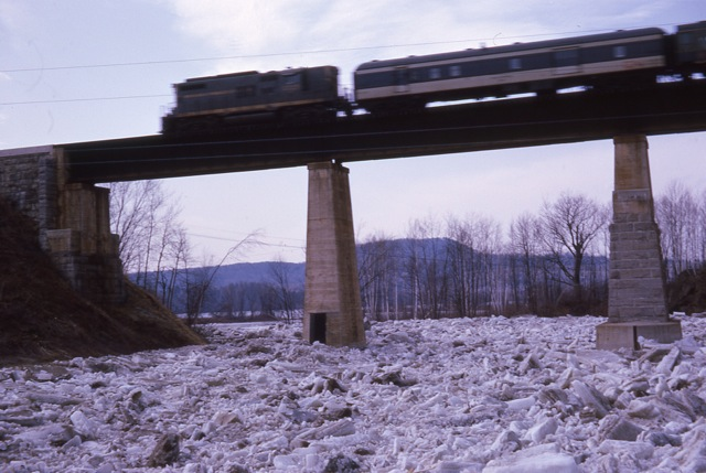 1964 Ice Jam In East Georgia - img009
