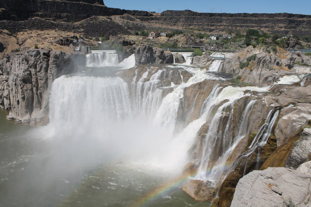 There were two bridges we had to cross today. The first (0012) leads to the Shoshone Falls and the second (0024) gets one to Twin Falls, ID. Shoshone Falls (0043) is taller than Niagara Falls and without surrounding development - Img 0043s