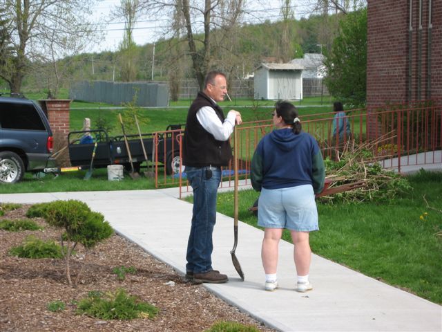 Jim Minor & Bridget Morgan - St. Lukes Church cleanup 009