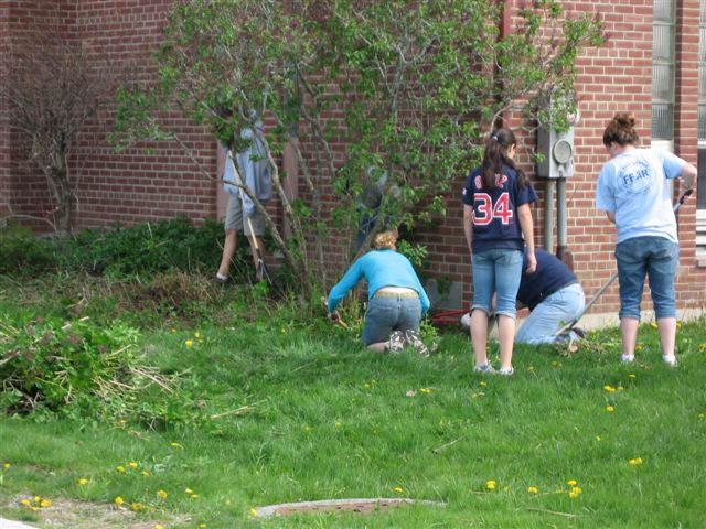 St. Lukes Church cleanup 010