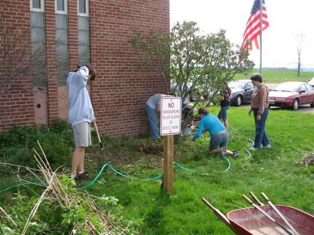 St. Lukes Church cleanup 017