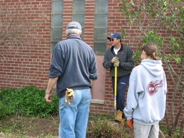 Tim Wills, Vince Redding - St. Lukes Church cleanup 030