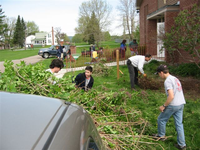 St. Lukes Church cleanup 037