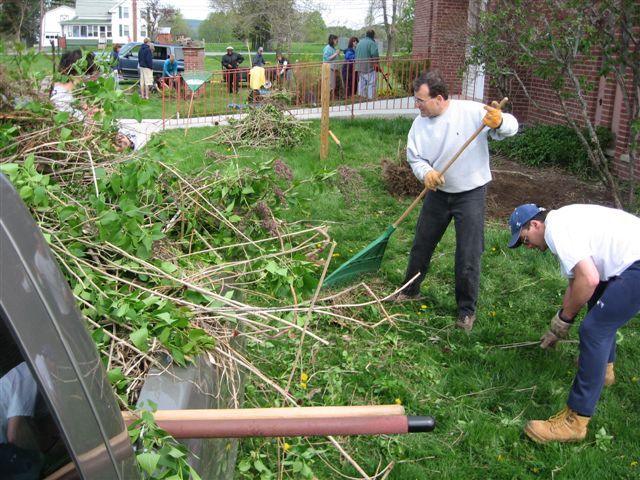 St. Lukes Church cleanup 039