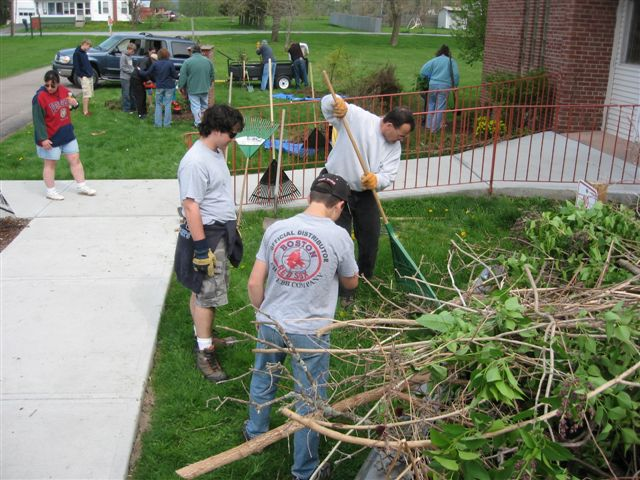 St. Lukes Church cleanup 041
