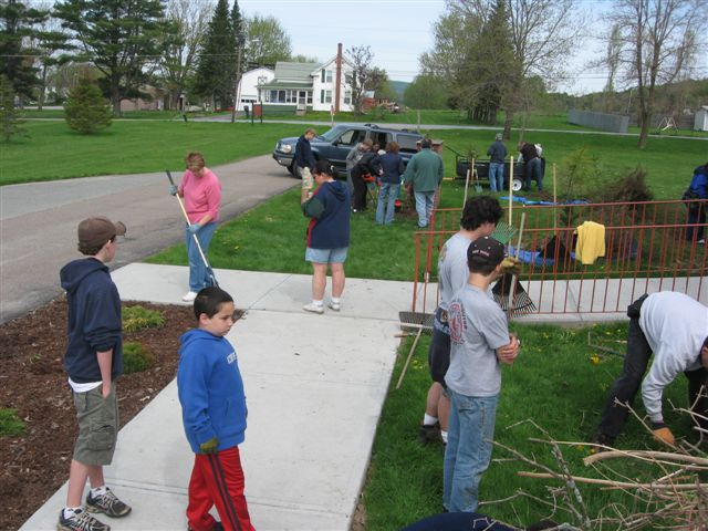 St. Lukes Church cleanup 043