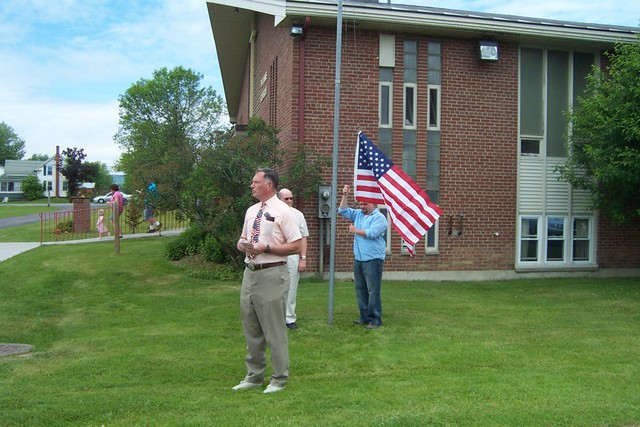 Jim Groseclose, Ed Nuttall & Josh Langelier prepare to raise the flag - DCP 8687