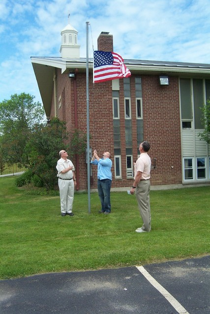 Jim Groseclose, Ed Nuttall & Josh Langelier raise the flag - DCP 8689